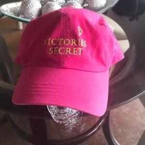 Pink VS Hat 😍🌲
